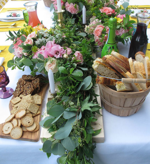Floral decoration tablescape and food for a Garden Party themed event by Victoria Event Planner Party Mood